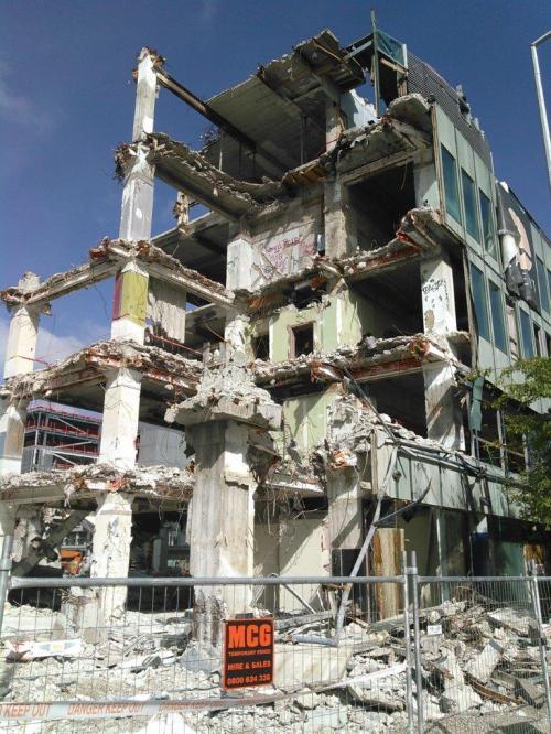 20170304 earthquake ruins