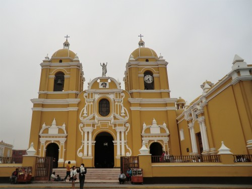 cathedral plaza de armas trujillo