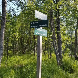 Finding your way along the hiking trails can be challenging if you do not know Norwegian.